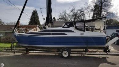 MacGregor 26M, 25', for sale - $25,800