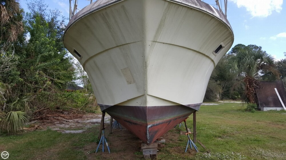 1986 Chris Craft boat for sale, model of the boat is 381 Catalina & Image # 3 of 40
