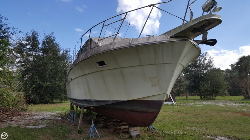 1986 Chris Craft boat for sale, model of the boat is 381 Catalina & Image # 5 of 40