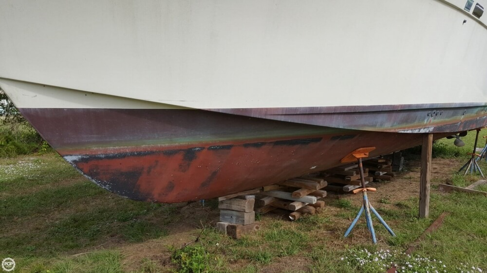 1986 Chris Craft boat for sale, model of the boat is 381 Catalina & Image # 17 of 40