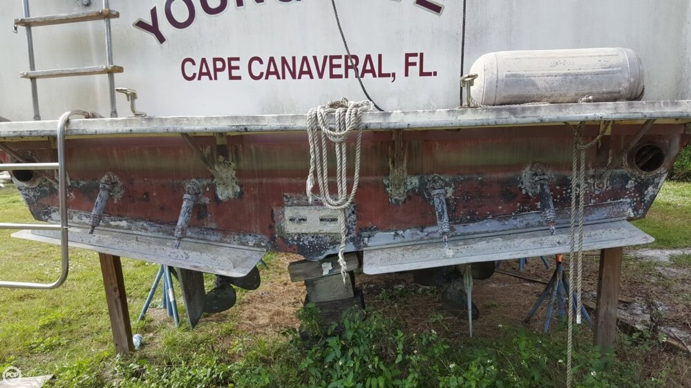 1986 Chris Craft boat for sale, model of the boat is 381 Catalina & Image # 14 of 40