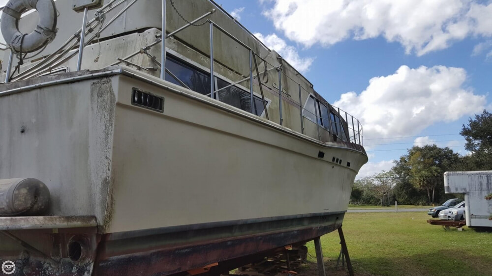1986 Chris Craft boat for sale, model of the boat is 381 Catalina & Image # 11 of 40