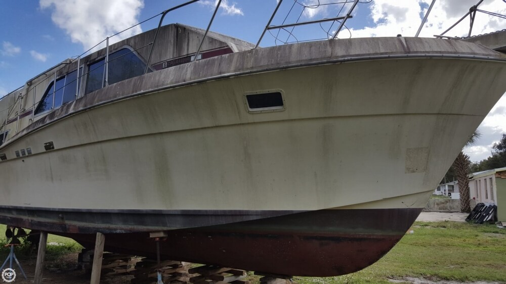 1986 Chris Craft boat for sale, model of the boat is 381 Catalina & Image # 2 of 40