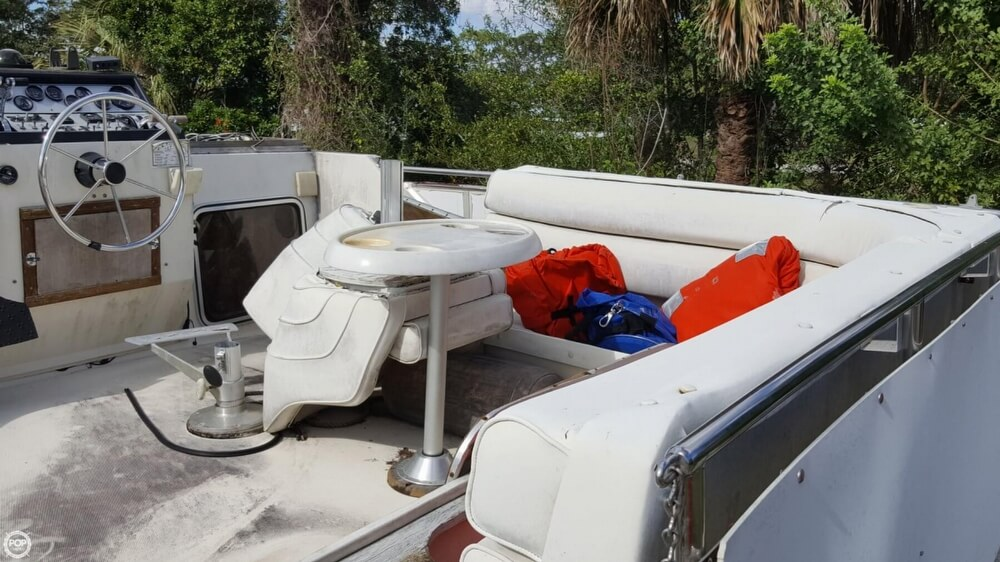1986 Chris Craft boat for sale, model of the boat is 381 Catalina & Image # 30 of 40