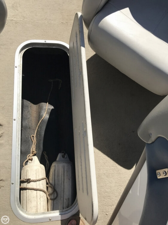 2003 Crownline boat for sale, model of the boat is 180 BR & Image # 27 of 41