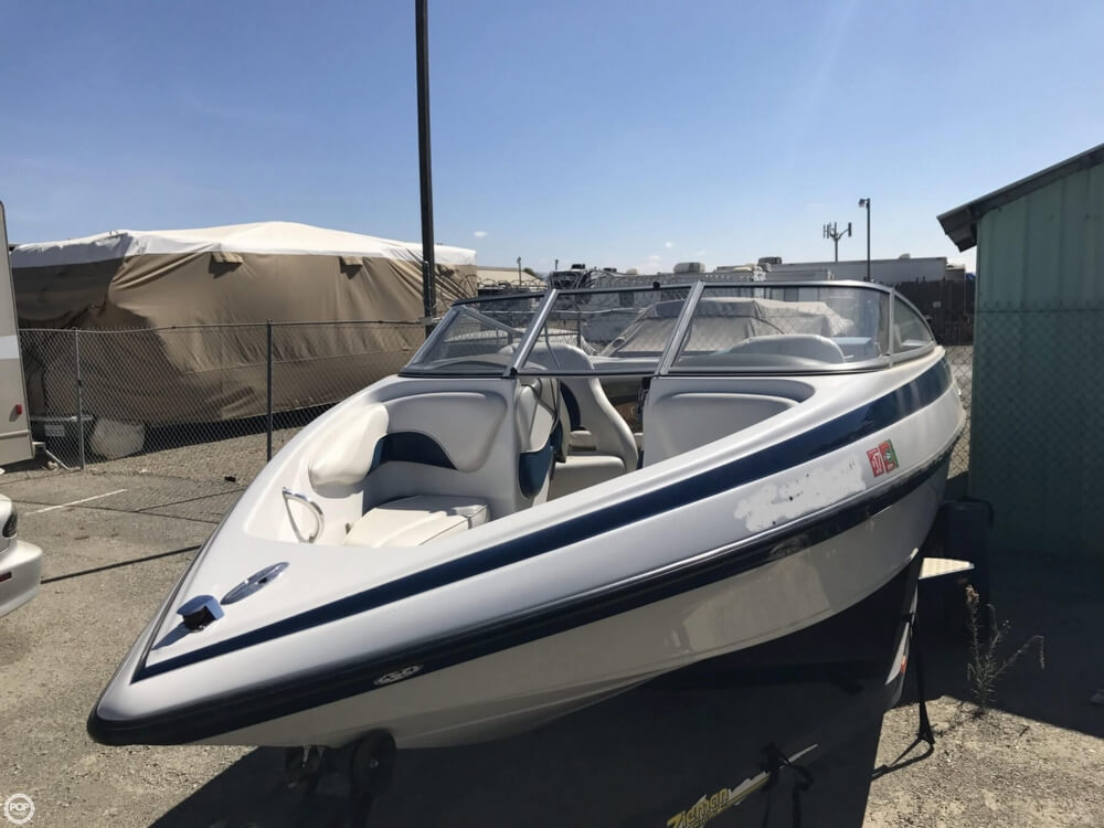 2003 Crownline boat for sale, model of the boat is 180 BR & Image # 34 of 41