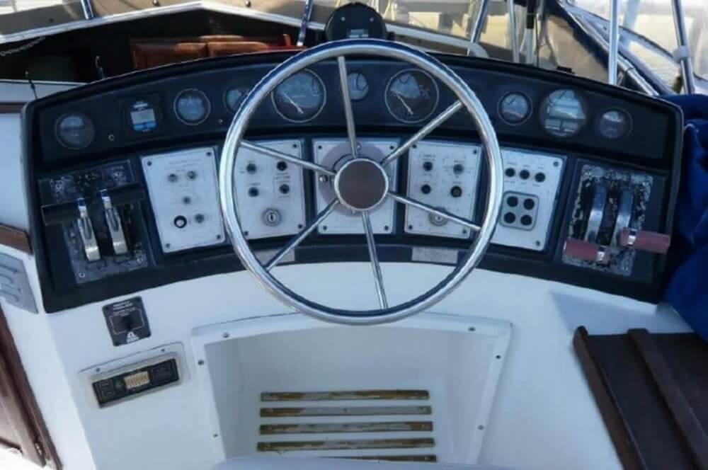 1981 Carver boat for sale, model of the boat is 3607 Aft Cabin & Image # 10 of 40