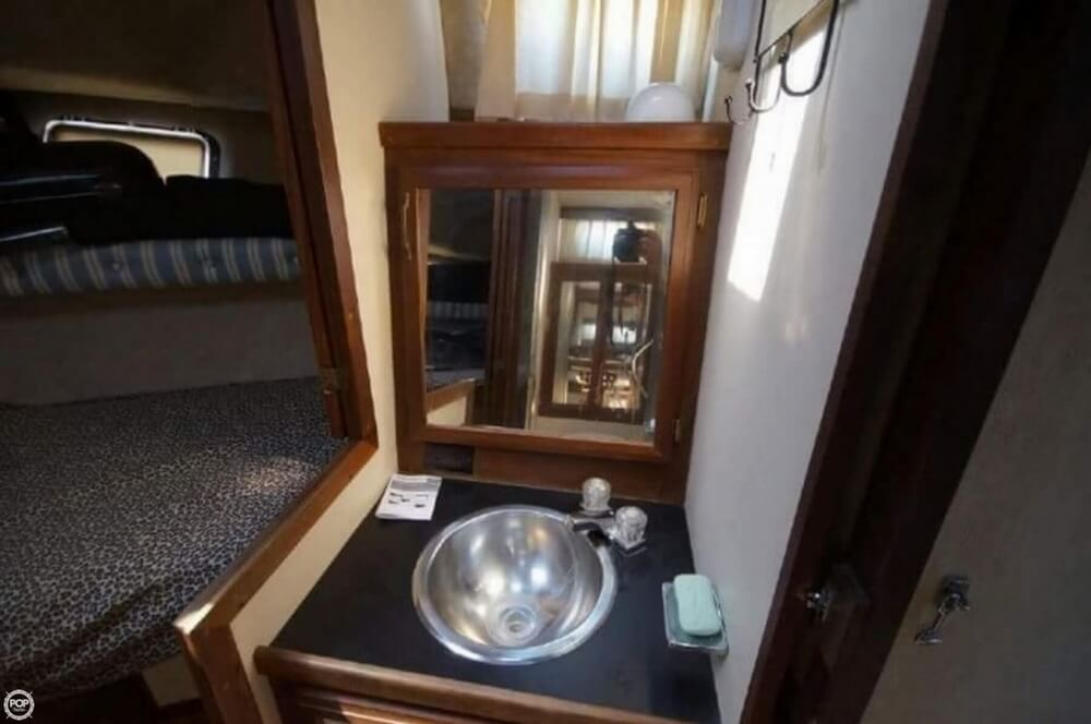 1981 Carver boat for sale, model of the boat is 3607 Aft Cabin & Image # 19 of 40