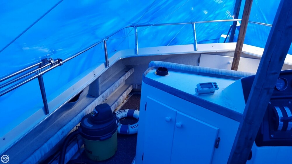 1981 Carver boat for sale, model of the boat is 3607 Aft Cabin & Image # 32 of 40