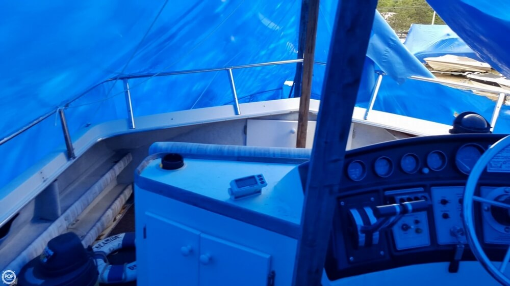 1981 Carver boat for sale, model of the boat is 3607 Aft Cabin & Image # 33 of 40