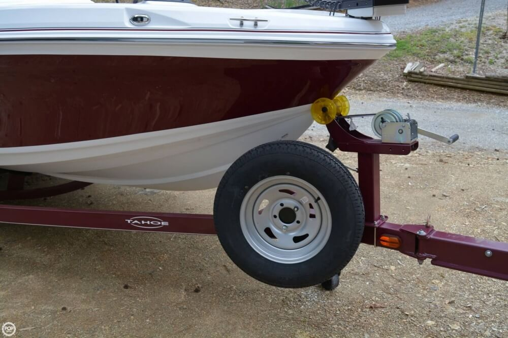 2018 Tahoe boat for sale, model of the boat is 550TF & Image # 8 of 41