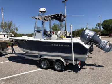 Sea Hunt Ultra 211, 21', for sale - $42,400