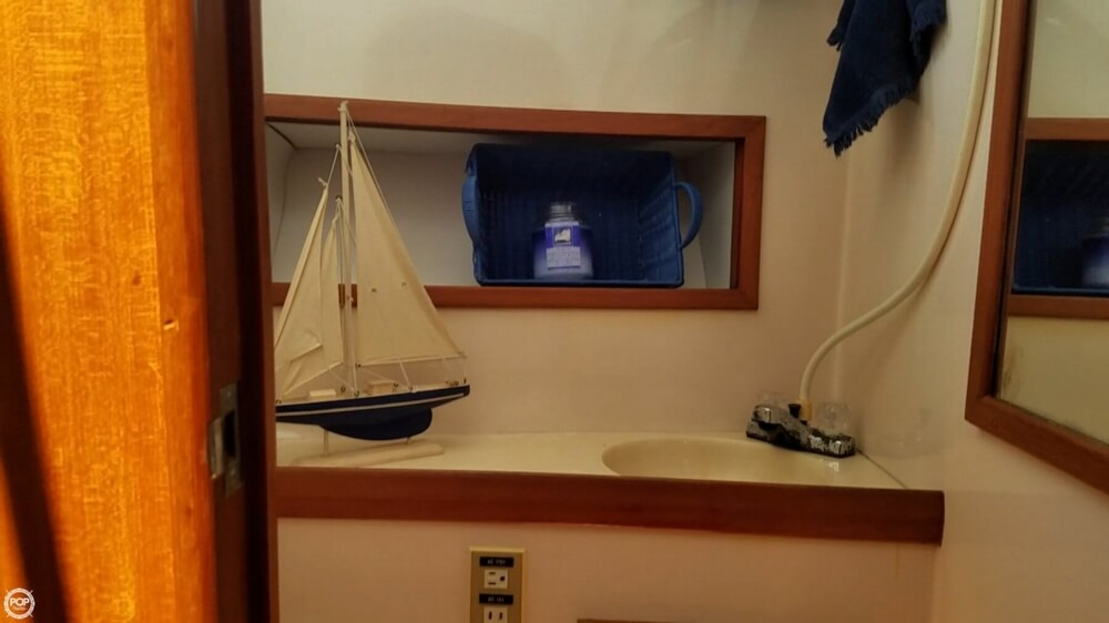 1987 Marine Trader boat for sale, model of the boat is 47 & Image # 20 of 28