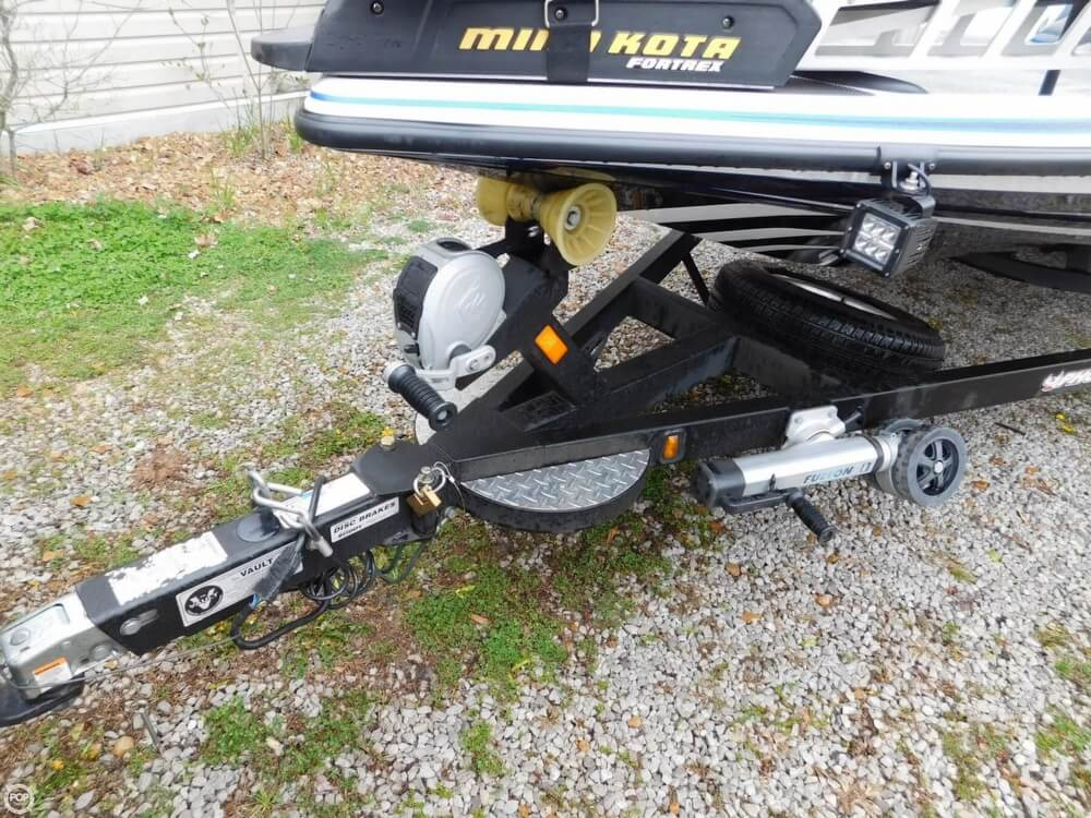 2013 Phoenix boat for sale, model of the boat is 921 Pro XP & Image # 9 of 40