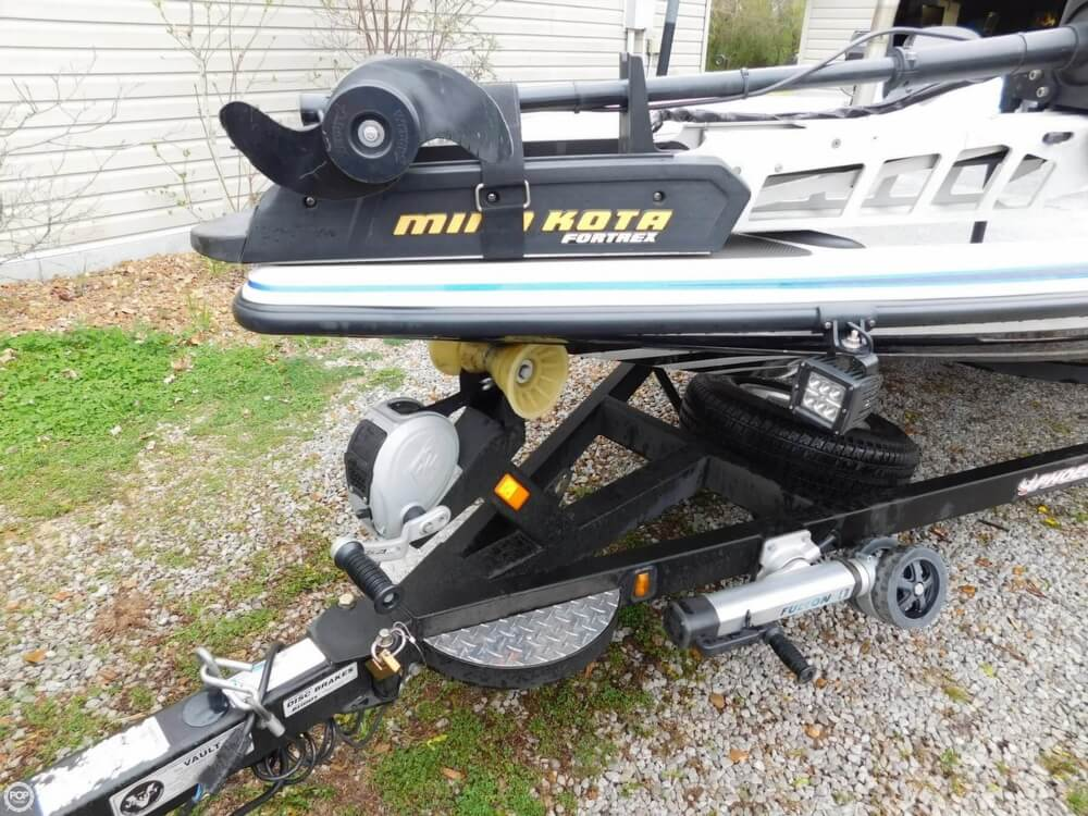 2013 Phoenix boat for sale, model of the boat is 921 Pro XP & Image # 10 of 40