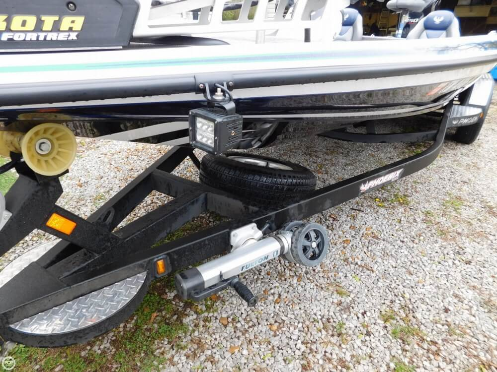 2013 Phoenix boat for sale, model of the boat is 921 Pro XP & Image # 11 of 40