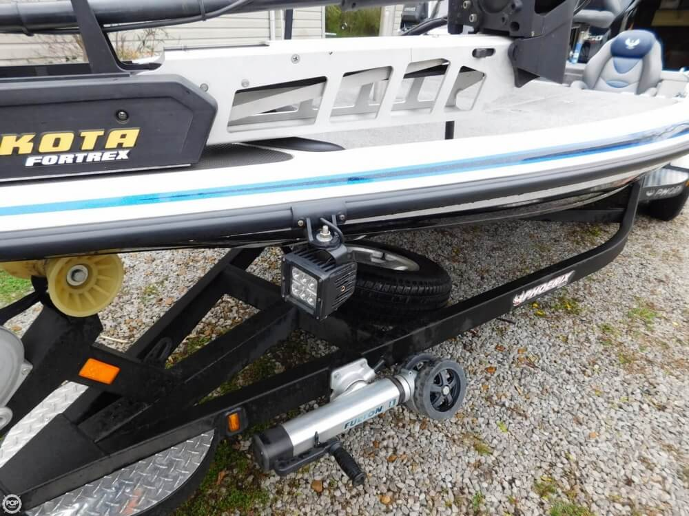 2013 Phoenix boat for sale, model of the boat is 921 Pro XP & Image # 12 of 40