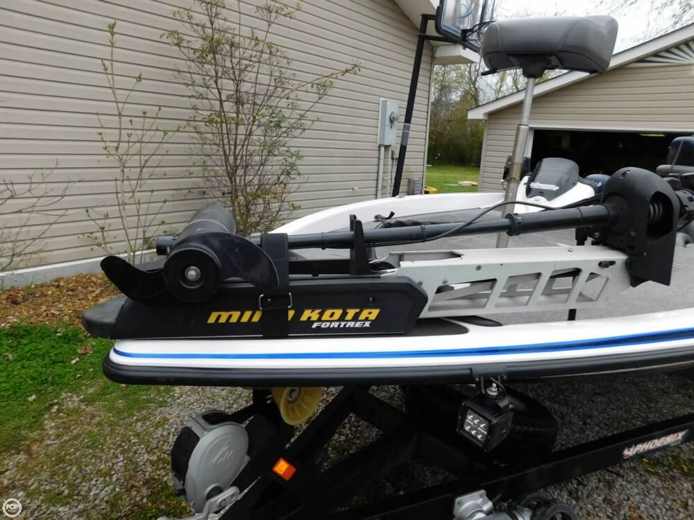 2013 Phoenix boat for sale, model of the boat is 921 Pro XP & Image # 13 of 40