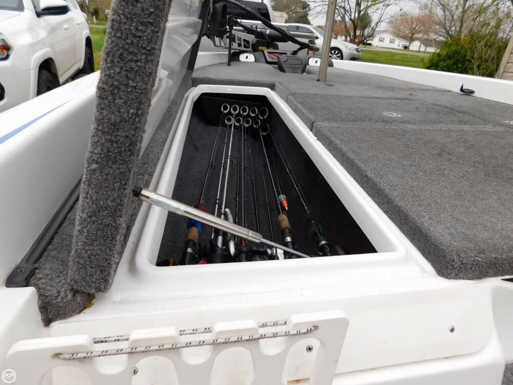2013 Phoenix boat for sale, model of the boat is 921 Pro XP & Image # 19 of 40