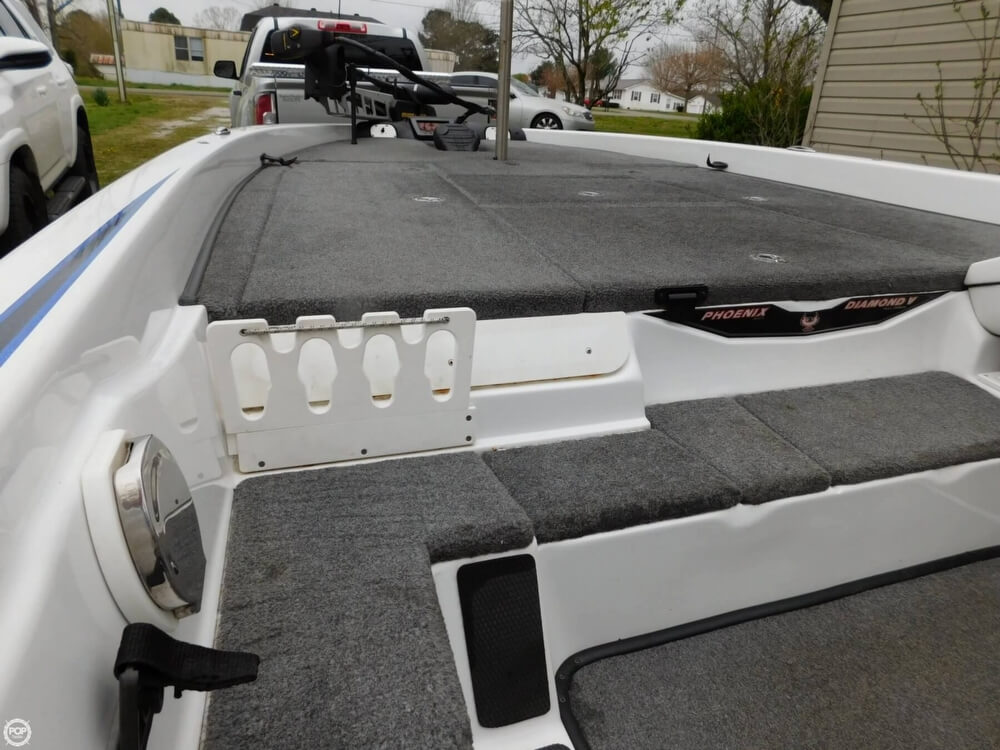 2013 Phoenix boat for sale, model of the boat is 921 Pro XP & Image # 28 of 40