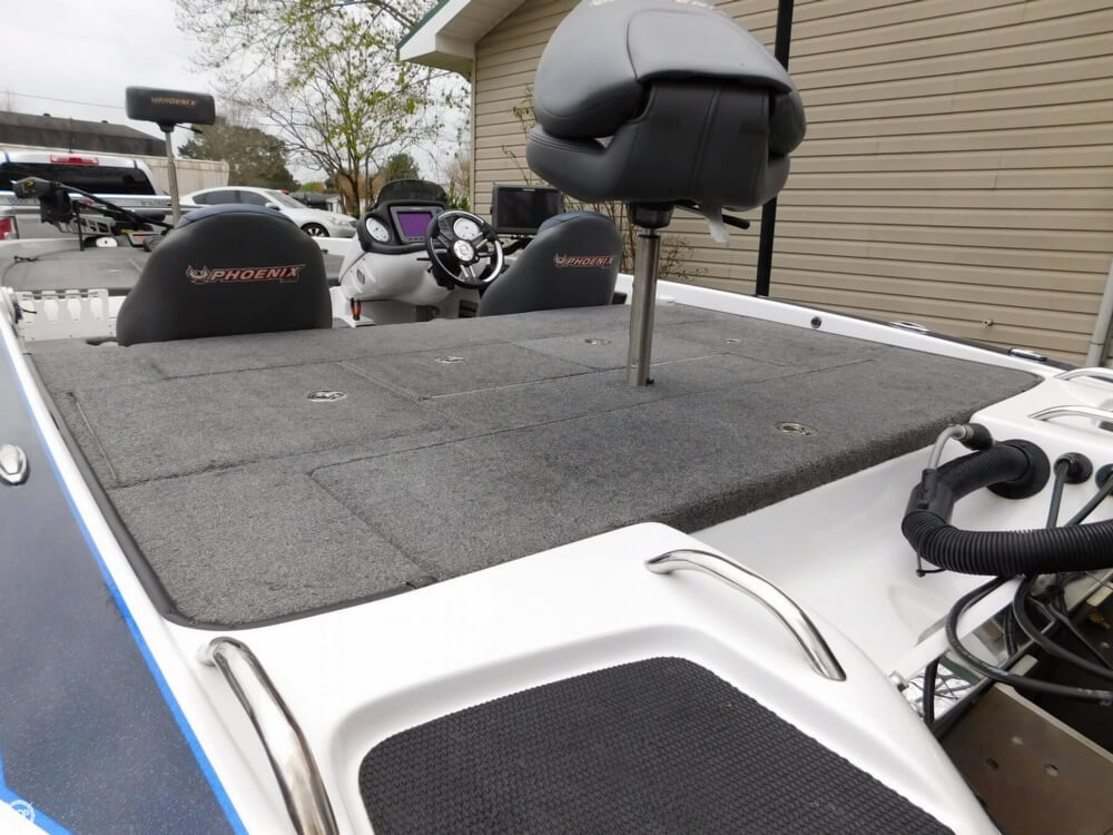 2013 Phoenix boat for sale, model of the boat is 921 Pro XP & Image # 35 of 40