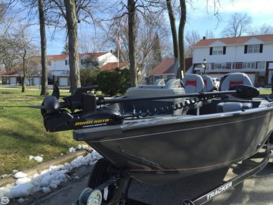 Tracker Pro Guide V16, 16', for sale - $19,500