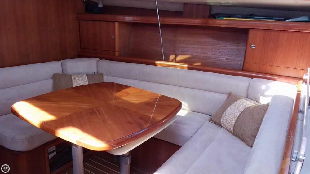 2006 Hunter boat for sale, model of the boat is 38 & Image # 6 of 40