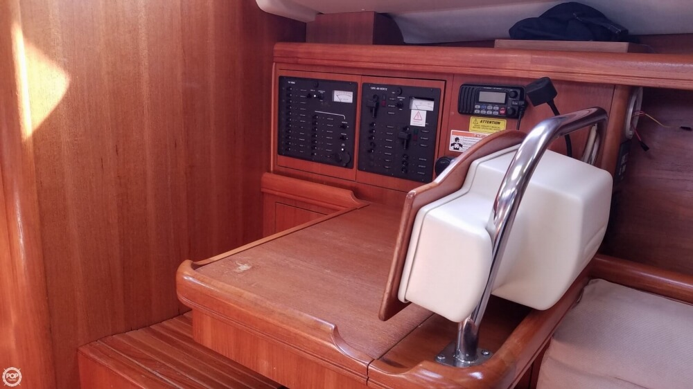 2006 Hunter boat for sale, model of the boat is 38 & Image # 8 of 40