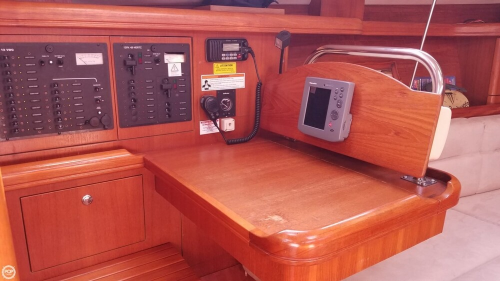 2006 Hunter boat for sale, model of the boat is 38 & Image # 9 of 40