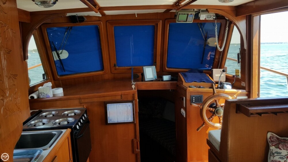 1989 Marine Trader boat for sale, model of the boat is 34 Double Cabin & Image # 3 of 40