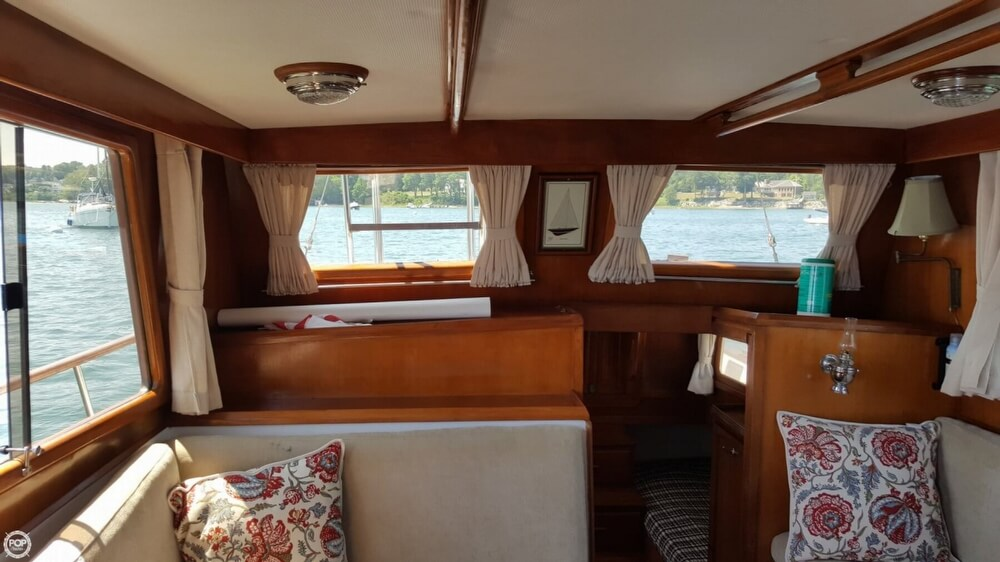 1989 Marine Trader boat for sale, model of the boat is 34 Double Cabin & Image # 6 of 40