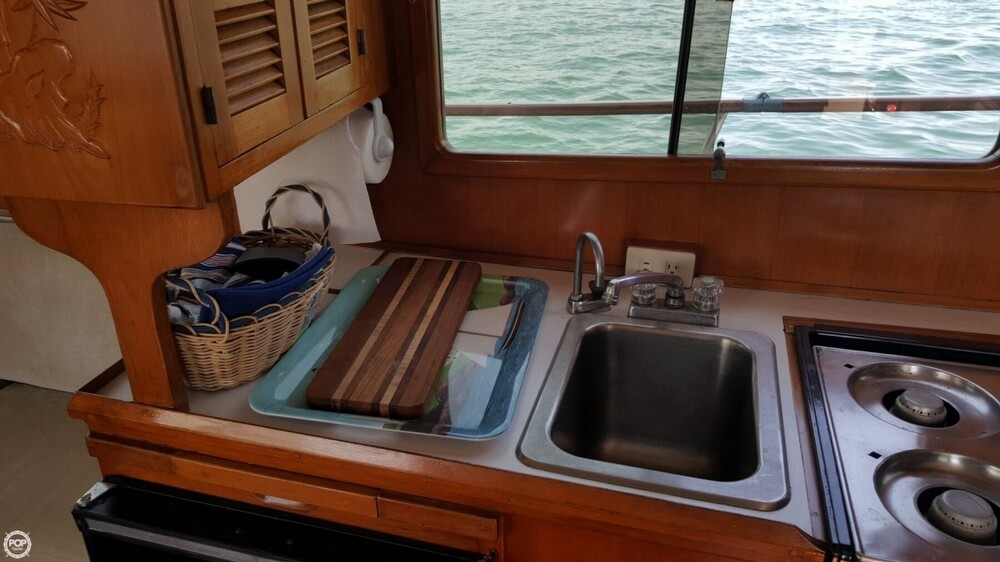 1989 Marine Trader boat for sale, model of the boat is 34 Double Cabin & Image # 9 of 40