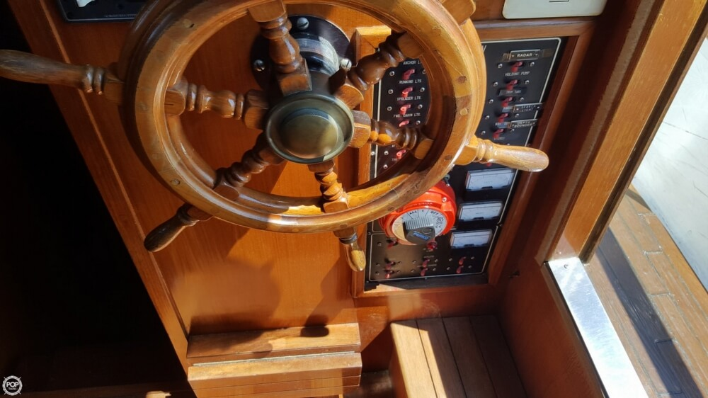 1989 Marine Trader boat for sale, model of the boat is 34 Double Cabin & Image # 13 of 40