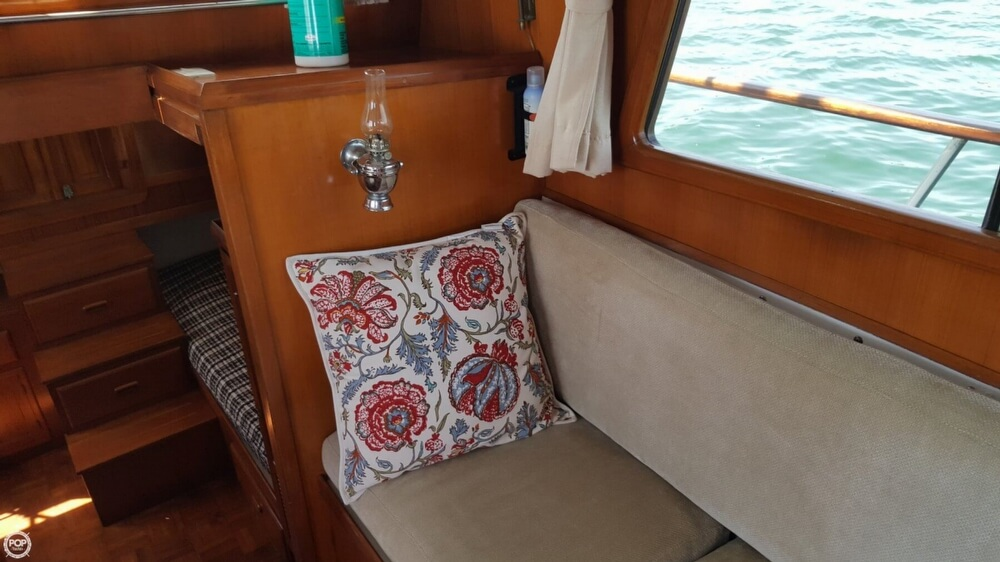 1989 Marine Trader boat for sale, model of the boat is 34 Double Cabin & Image # 23 of 40