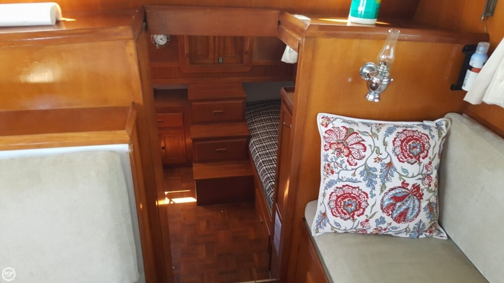 1989 Marine Trader boat for sale, model of the boat is 34 Double Cabin & Image # 25 of 40