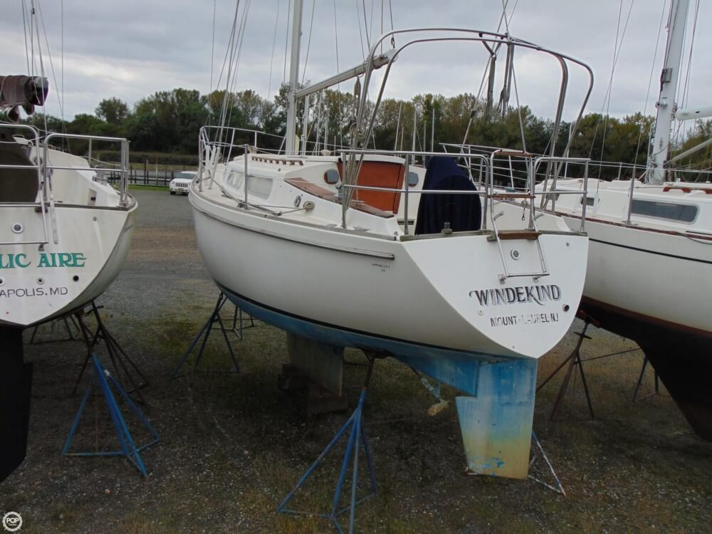 1983 Lippincott boat for sale, model of the boat is 30 & Image # 16 of 40