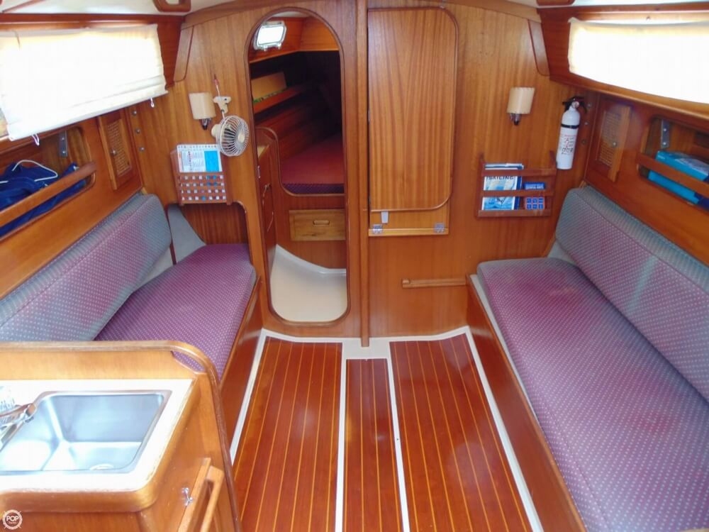 1983 Lippincott boat for sale, model of the boat is 30 & Image # 4 of 40