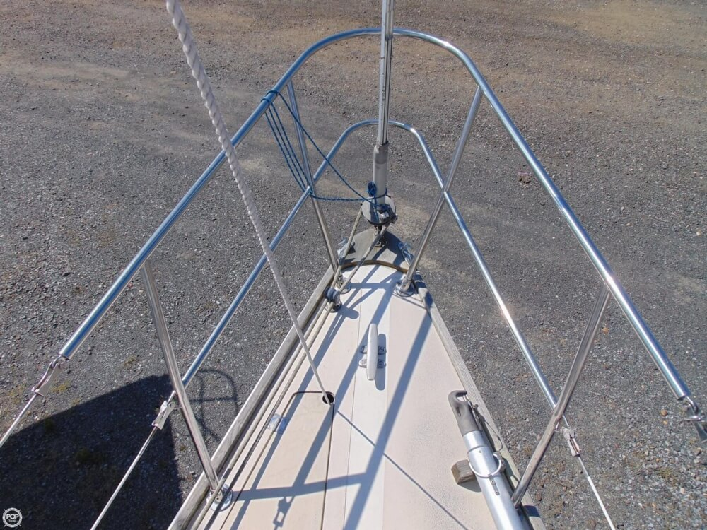 1983 Lippincott boat for sale, model of the boat is 30 & Image # 14 of 40