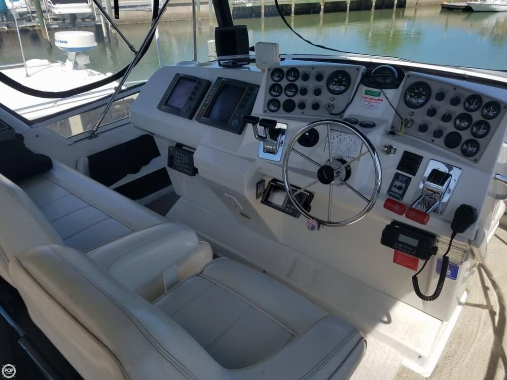 1998 Carver 355 Motor Yacht Aft Cabin - image 33