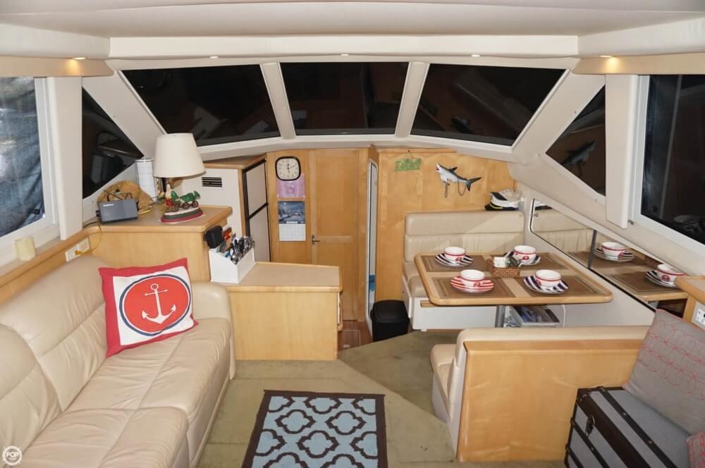 1998 Carver 355 Motor Yacht Aft Cabin - image 2