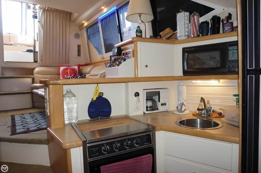 1998 Carver 355 Motor Yacht Aft Cabin - image 13