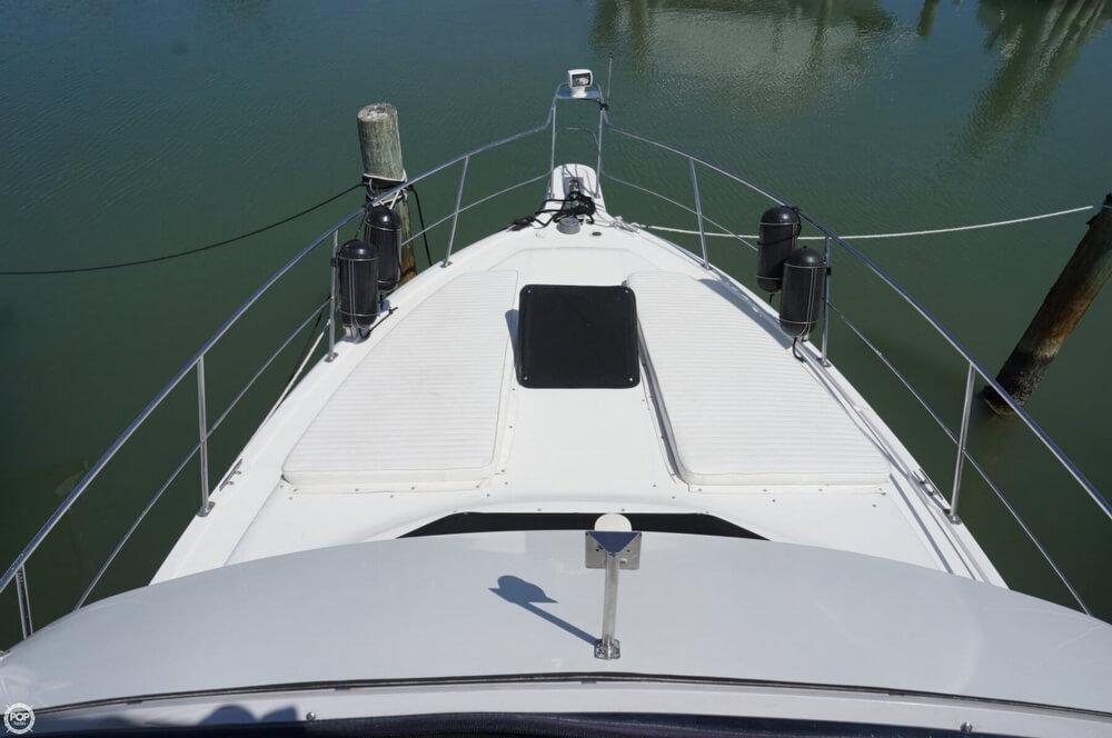 1998 Carver 355 Motor Yacht Aft Cabin - image 32