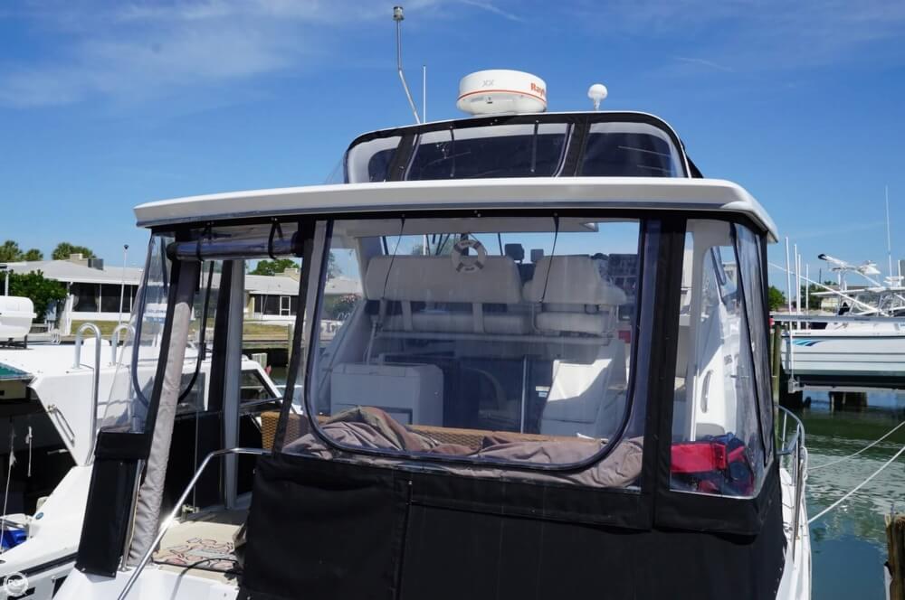 1998 Carver 355 Motor Yacht Aft Cabin - image 36