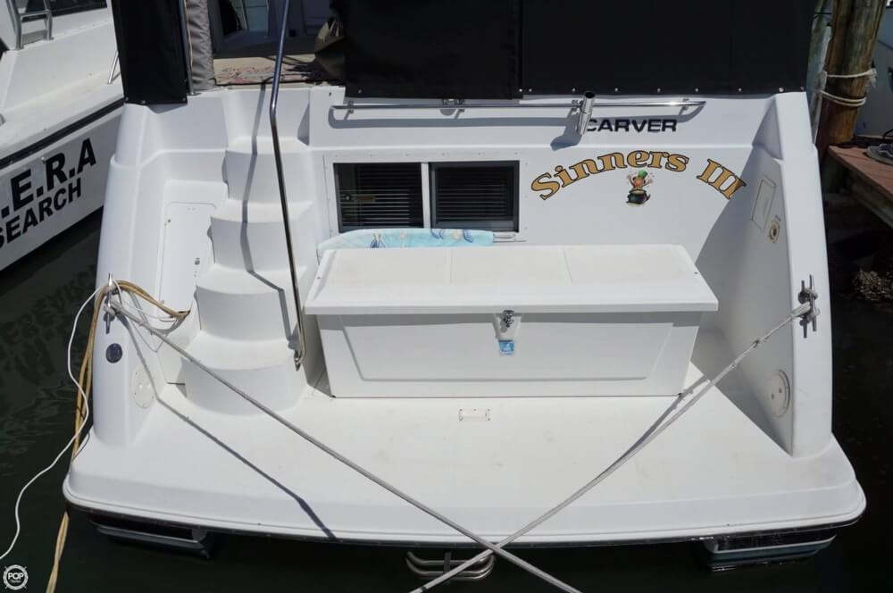 1998 Carver 355 Motor Yacht Aft Cabin - image 3