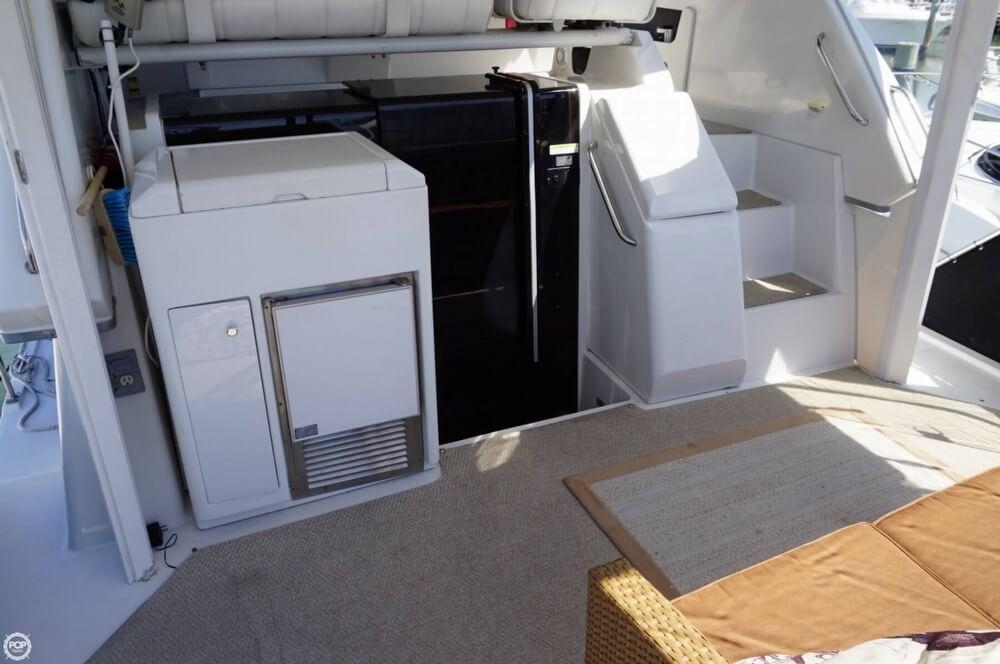 1998 Carver 355 Motor Yacht Aft Cabin - image 11