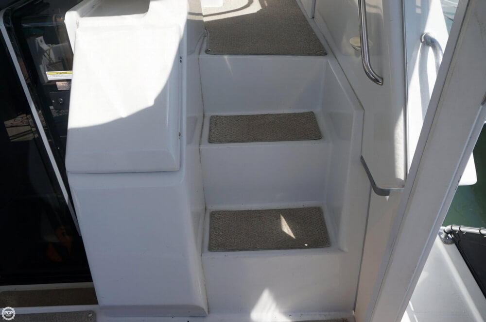 1998 Carver 355 Motor Yacht Aft Cabin - image 27
