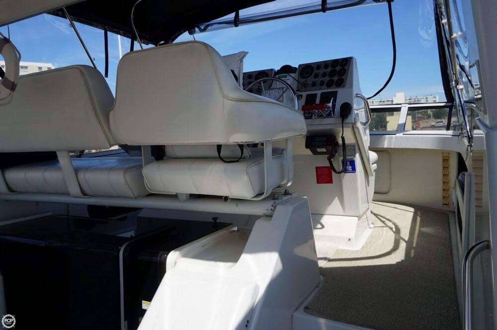 1998 Carver 355 Motor Yacht Aft Cabin - image 28
