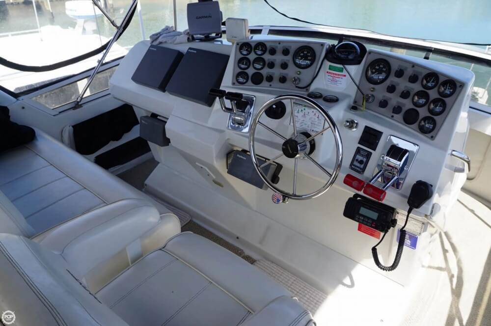 1998 Carver 355 Motor Yacht Aft Cabin - image 30