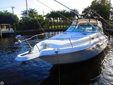 Sea Ray 300 Sundancer, 33', for sale - $19,900