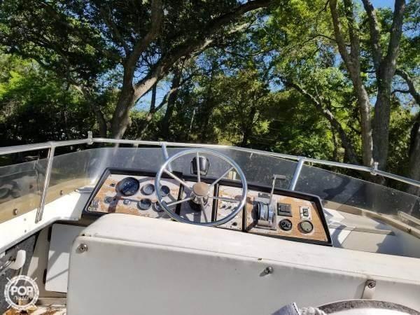 1983 Carver boat for sale, model of the boat is 26 Santa Cruz & Image # 5 of 40